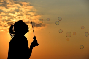 woman, bubbles, sunset-1038648.jpg